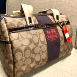 A lovely Coach hand bag